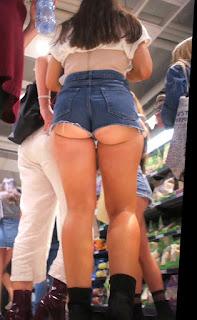 Video candid hermosa chica nalgona shorts apretados