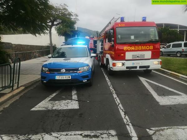 Los Bomberos de La Palma extinguen un incendio en una vivienda de Los Llanos de Aridane