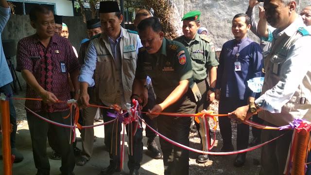 Pasiter Dim Sragen Potong Pita Penyerahan RTLH Keluarga Veteran  Karangmalang