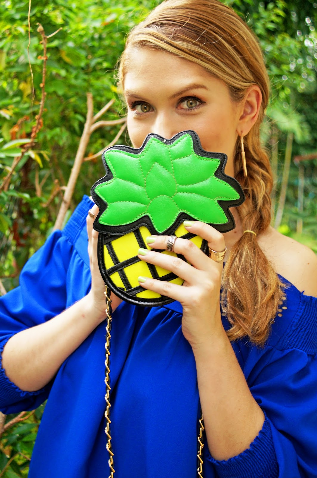Loving this super cute Pineapple bag!