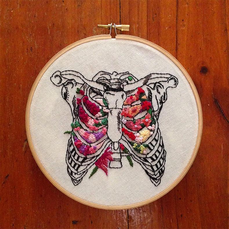 Bordados florales anatómicos por InherentlyRandom