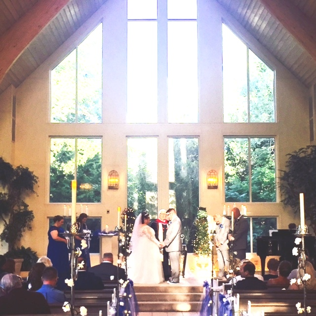 Preacher Wedding Altar: Walnut Creek Chapel: Shelby Bishop And Zachary O'Neal
