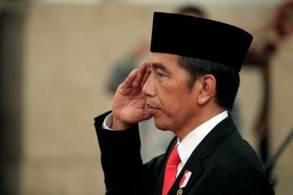 Perintah Hindari Kerumunan,Jokowi Akan Dilaporkan ke Polisi
