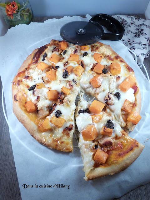 Pizza chic et gourmande à la courge butternut, poulet et chèvre