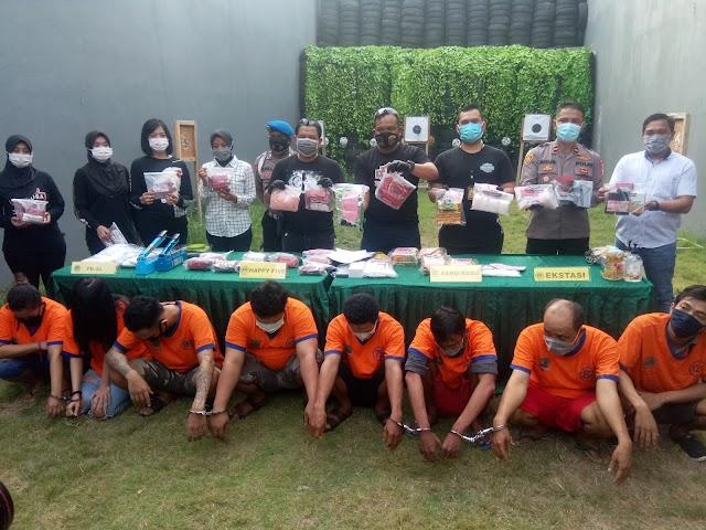 Satresnarkoba Polrestabes Surabaya Ungkap Pemasok Narkoba Antar Provinsi