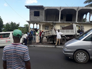 L'ambulance de l'hôpital de Mbeni percute un camion