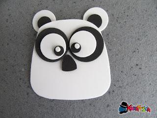 panda in fommy realizzato con tecnica punch art