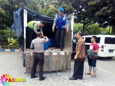 Polisi Kembali Berhasil Menyita 2 Ribu Liter Lebih Arak Bali yang Kualitas Tinggi