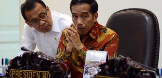 Demokrat: Luar Biasa Pak Jokowi, Barang Vaksin Belum Ada Sudah Mau Jual, Aku Padamu