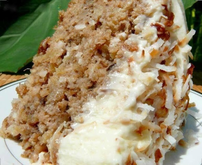 MOM'S AWESOME CARROT CAKE