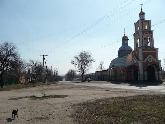 Славянск. Храм Новомучеников и Исповедников Российских