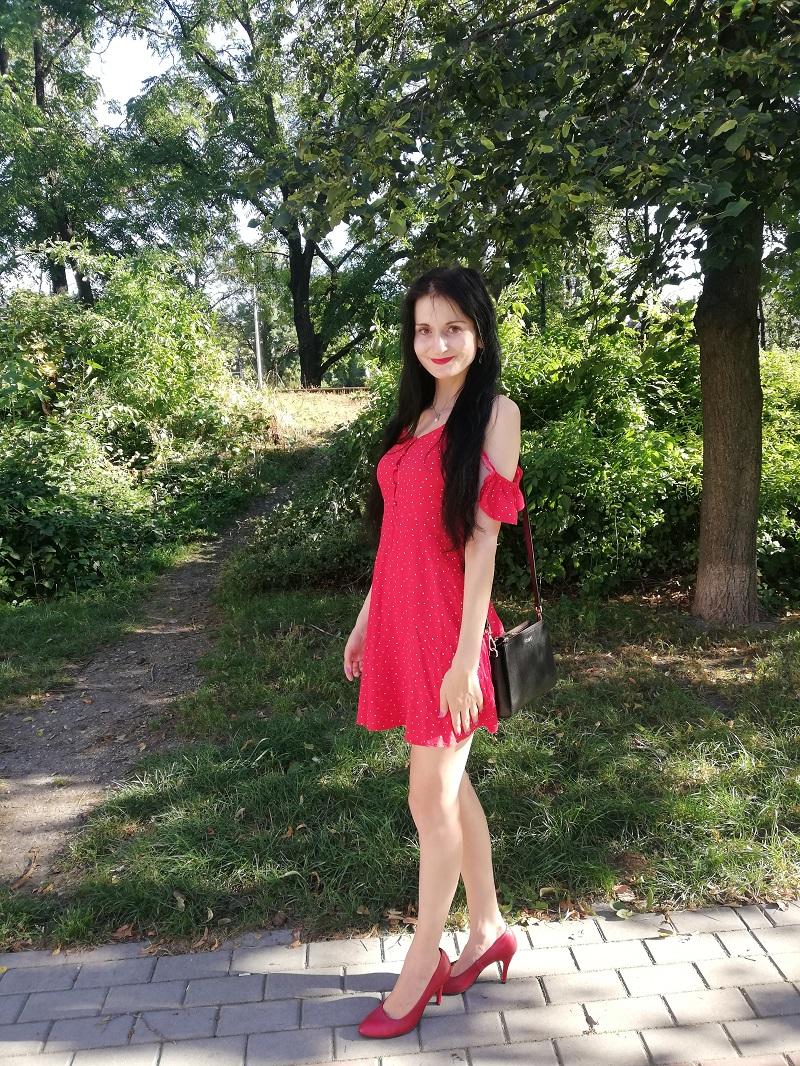 Tally Weijl czerwona sukienka w białe kropki z wiskozy
