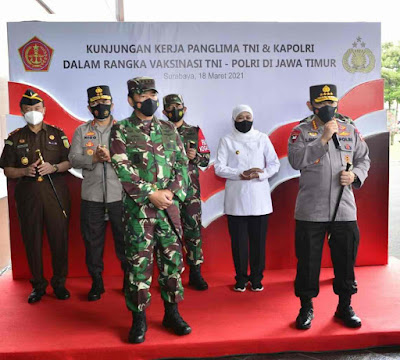 Panglima-TNI-dan-Kapolri-Kunjungi-Polda-Jatim-Terkait-Pelaksanaan-Vaksinasi-2.101-Personel