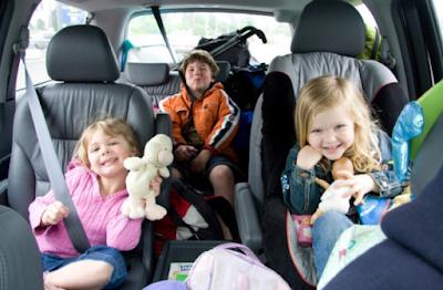 Perhatikan 5 Hal Ini Saat Bepergian Naik Mobil Bersama Anak, Yuk!