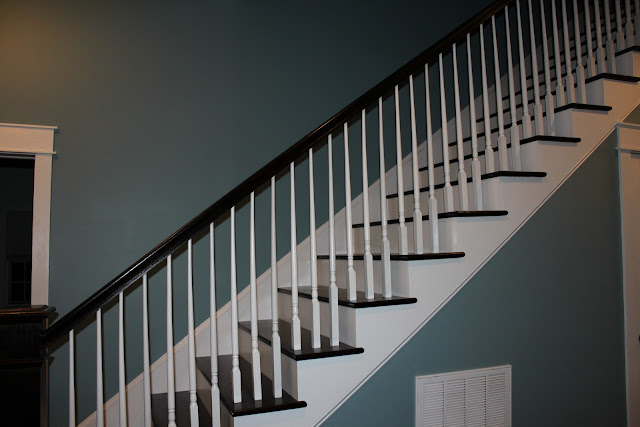 Once Upon a Farmhouse: Finished Staircase!