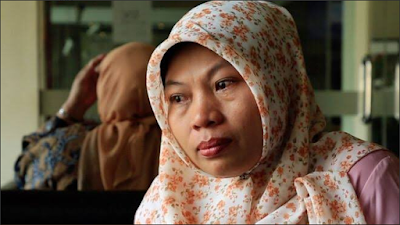 INDONESIA: AHUKUMIWA KIFUNGO KWA KUREKODI SIMU ZA BOSI WAKE AKIMTAKA KIMAPENZI