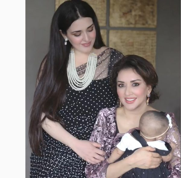 Natasha Khalid Beautiful Pictures with her Daughter