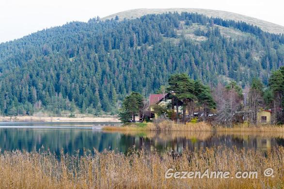 Abant Gölü'nde sonbahar manzaraları ve müthiş göl üstü yansımaları, Bolu
