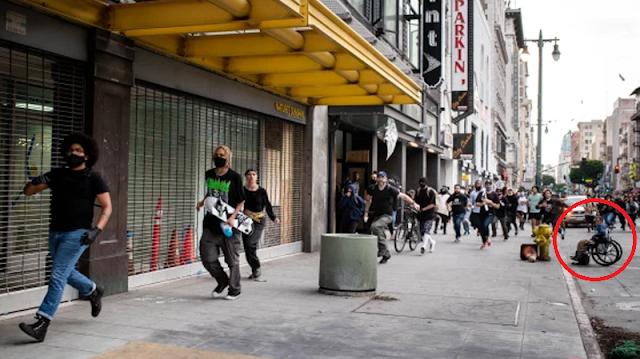 EEUU: un fotógrafo capta la agresión a un hombre sin hogar y en silla de ruedas