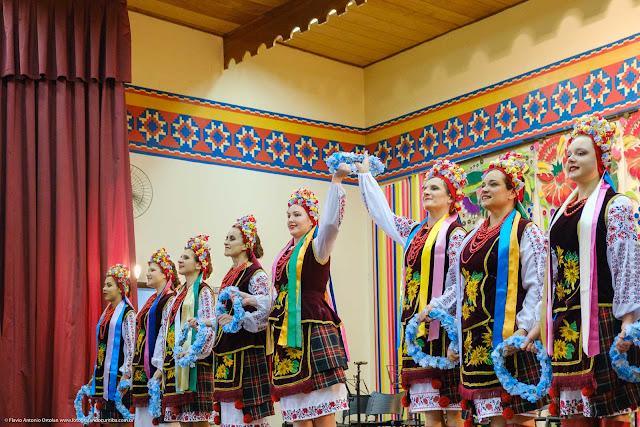 Grupo folclórico ucraniano