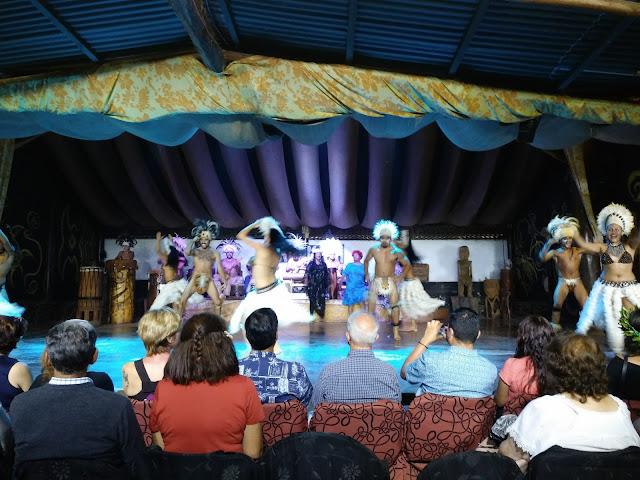 Grupo de baile Kari Kari, Hanga Roa, Isla de Pascua