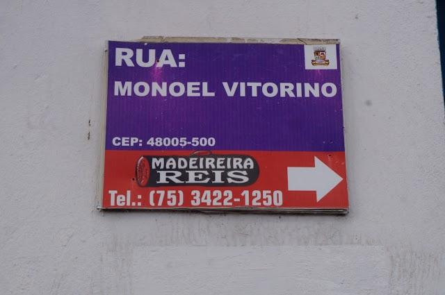 Trânsito caótico e ruas esburacadas marcam acesso ao centro e ruas de Alagoinhas