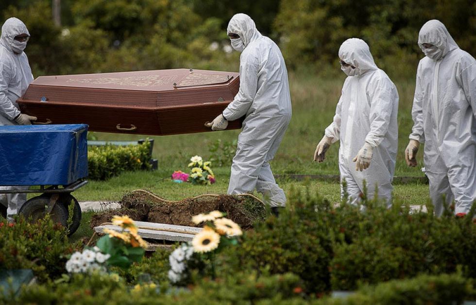 Brasil tem mais de 33 mil casos da Covid-19 e mortes passam de 2 mil