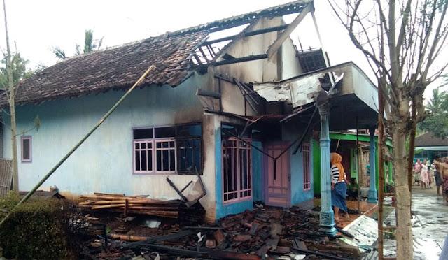 Kondisi rumah setelah terbakar