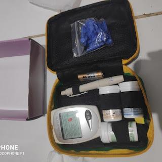 Easy Touch GCU alat cek gula darah kolesterol dan asam urat