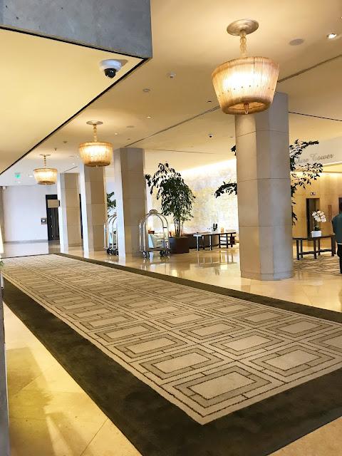 beverly hilton lobby