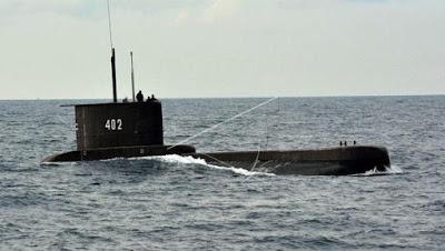 kri nanggala 402 kapal selam saat pelatihan pra-satgas 2017 operasi pengamanan perbatasan Pamtas Maphilindo di Laut Jawa 169% 2B% 25282% 2529 Nama 53 KRI Nanggala-402 awak tewas dan menerima promosi