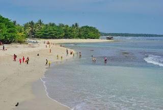 Pantai Labuhan Jukung