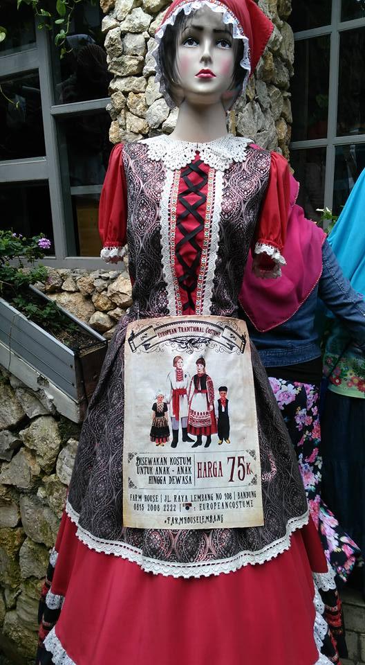 Sewa kostum ala Belanda di Farm House Lembang