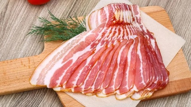 Vigyázat! Ebben a bacon szalonnában baktérium van