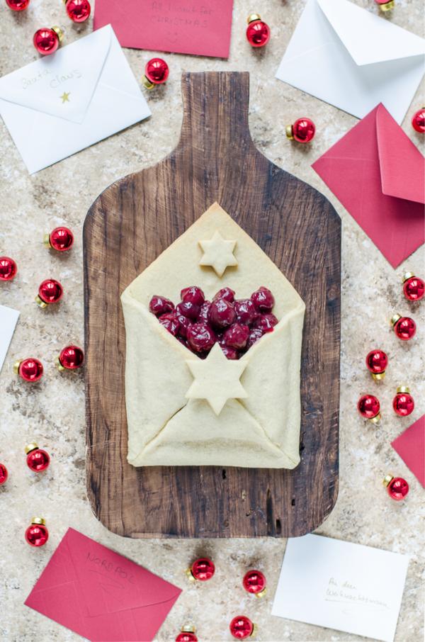 Christmas Letter Cookies mit Glühweinkirschen