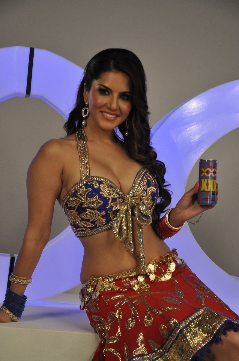 All Indian Beauties Sunny Leon Hot Stills At Xxx Drink Launch-5304