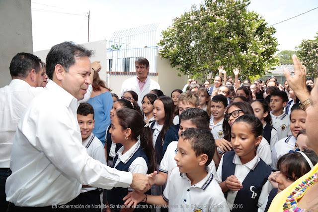Gobernación de Norte de Santander exalta a 'Los Mejores de la Educación oficial' en 2016 #RSY #OngCF