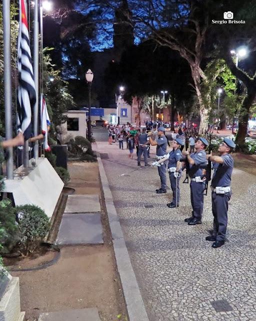 Vista do Arriamento das Bandeiras no Quartel do Comando da Policia Militar SP - Bom Retiro