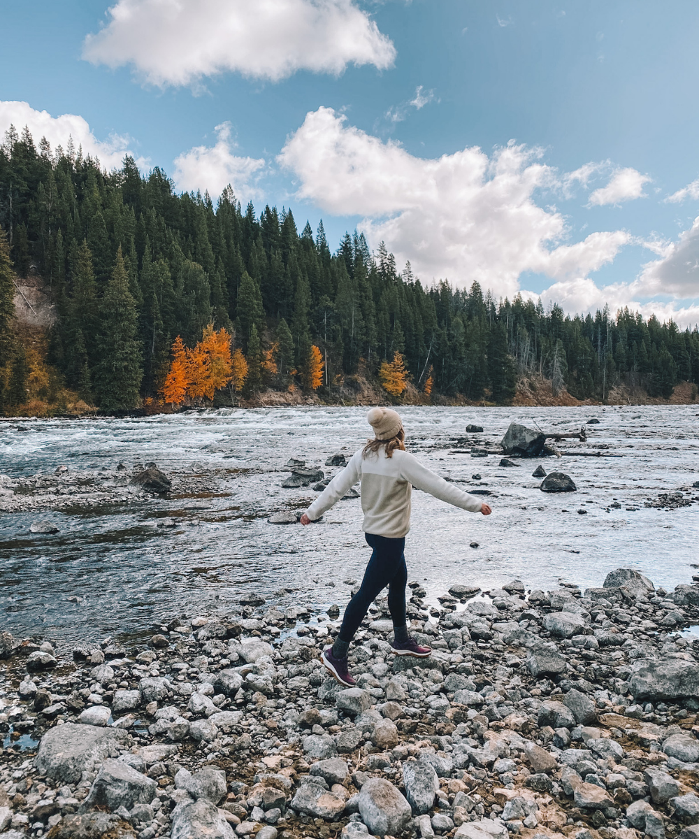 travel blogger Amanda's OK explores the Yellowstone River