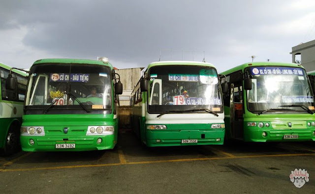 Bus 79 akan membawa kalian menuju Cu Chi Tunnels