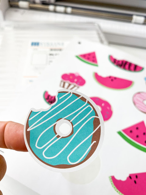 stickers, cameo 4, print and cut, sticker paper, silhouette CAMEO beginner tutorial