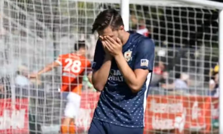Έβαλε γκολ και ξέσπασε σε κλάματα!