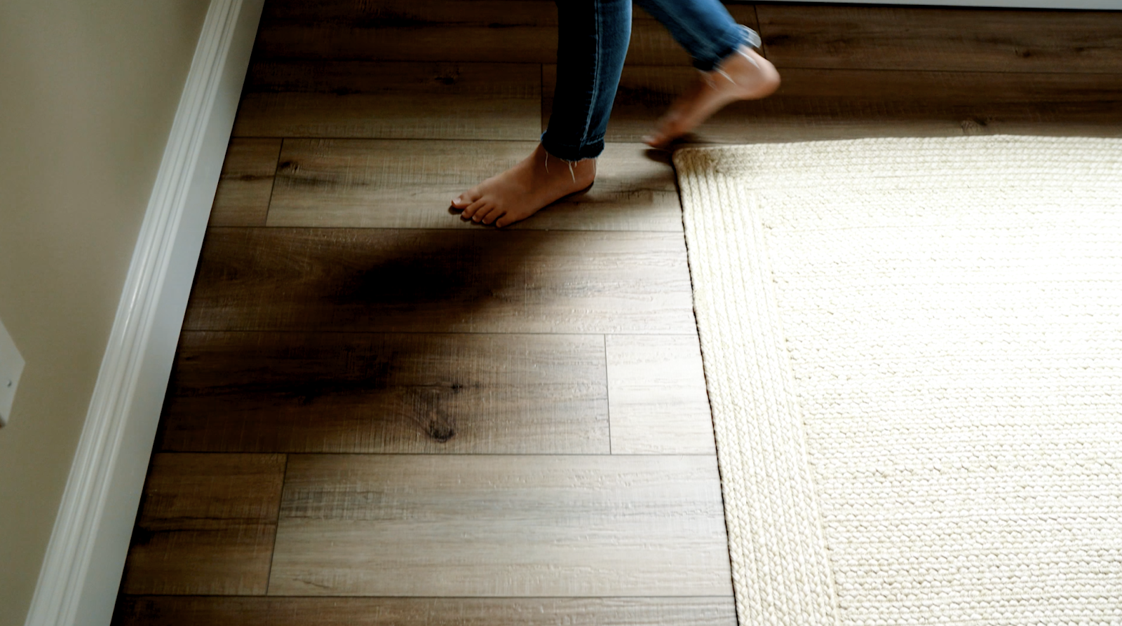 Install Luxury Vinyl Plank Flooring, How To Install Laminate Flooring On Basement