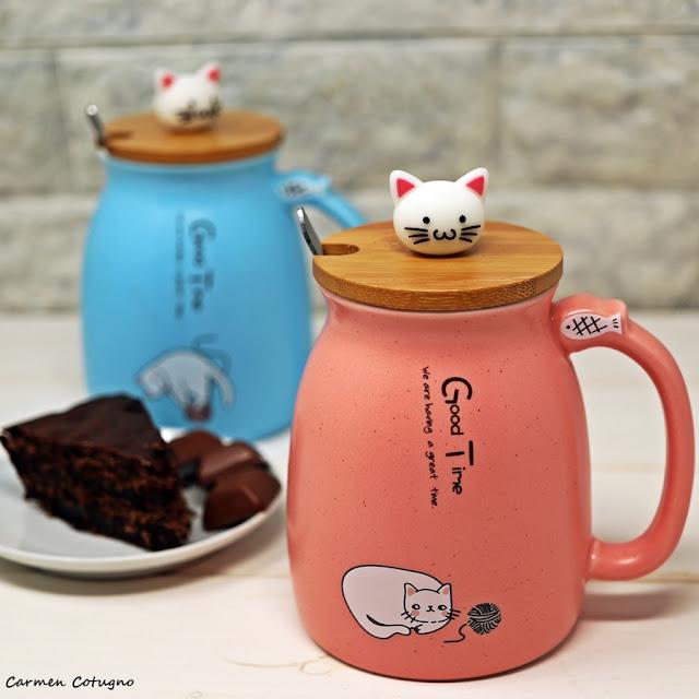 tazza con gatto e cucchiaino