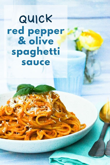 A super quick spaghetti sauce which can be whipped up from store cupboard ingredients in a few minutes while the pasta cooks. #spaghettisauce #spaghetti #redpepperpasta #redpepperrecipes #pastasauce #veganpasta #vegetarianpasta #redpeppers