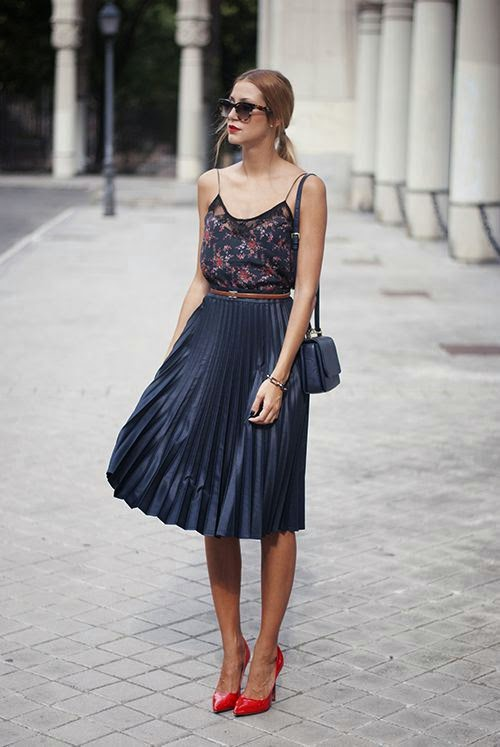 Chic and Silk  GET INSPIRED  Πλισέ Φούστα! d2cb1056976