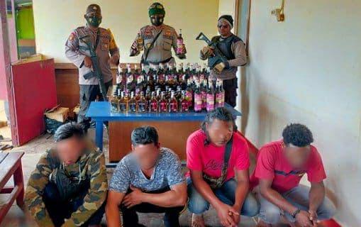 Polisi Amankan 6 Karton Miras dan 3 Oknum Karyawan PT. Doging Prahbawa di Pelabuhan MAM