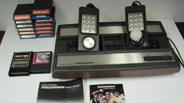 1980. Mattel Intellivision Console