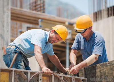 illustrasi ritme kerja di berat di proyek konstruksi