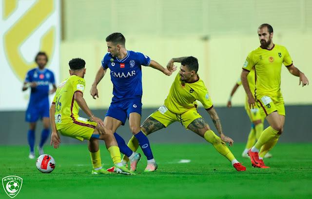 ملخص اهداف مباراة الهلال والحزم (1-1) الدوري السعودي